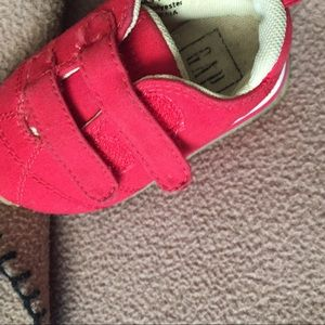 Red Gap 4C Velcro clean as anything